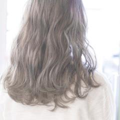 グラデーションカラー こなれ感 ゆるふわ グレージュ ヘアスタイルや髪型の写真・画像