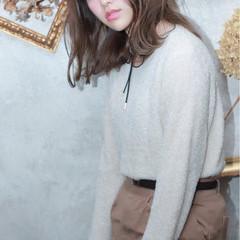ミディアム ハイライト アッシュ 外国人風 ヘアスタイルや髪型の写真・画像