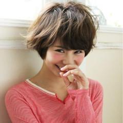 アッシュ パーマ 大人かわいい ブラウン ヘアスタイルや髪型の写真・画像