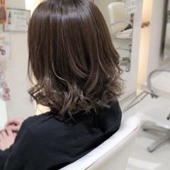 ミディアム コンサバ デート コテ巻き ヘアスタイルや髪型の写真・画像