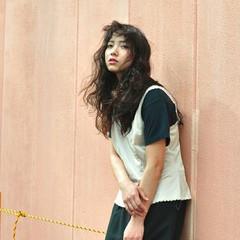 ロング アッシュ 黒髪 パーマ ヘアスタイルや髪型の写真・画像