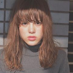 外国人風 セミロング ハイライト ウェットヘア ヘアスタイルや髪型の写真・画像