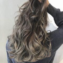 外国人風 ロング バレイヤージュ グラデーション ヘアスタイルや髪型の写真・画像