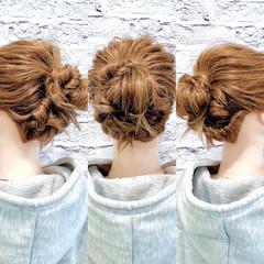 お団子アレンジ フェミニン くるりんぱ 簡単ヘアアレンジ ヘアスタイルや髪型の写真・画像