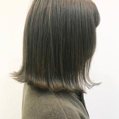 切りっぱなし ボブ グレージュ マット ヘアスタイルや髪型の写真・画像