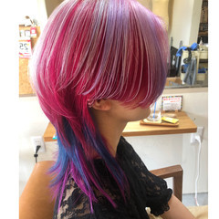 ダブルカラー ハイトーンカラー デザインカラー ウルフカット ヘアスタイルや髪型の写真・画像