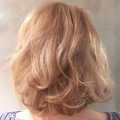 上品 エレガント ダブルカラー ブリーチ ヘアスタイルや髪型の写真・画像