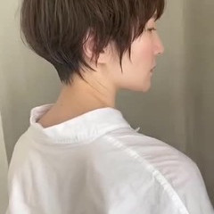 ショート ナチュラル 切りっぱなしボブ ミニボブ ヘアスタイルや髪型の写真・画像