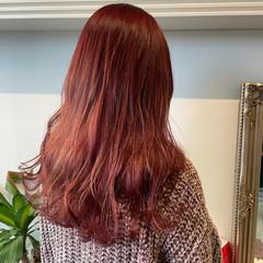 ガーリー チェリーレッド ベリーピンク セミロング ヘアスタイルや髪型の写真・画像