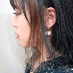 ストリート ミディアム インナーカラー ネイビーブルー ヘアスタイルや髪型の写真・画像