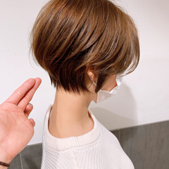 大人ショート フェミニン ハンサムショート ミルクティーベージュ ヘアスタイルや髪型の写真・画像