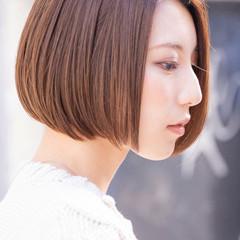透明感カラー ボブ フェミニン ミルクティーベージュ ヘアスタイルや髪型の写真・画像