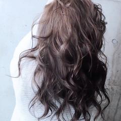 セミロング ウェーブ ウェットヘア 外国人風 ヘアスタイルや髪型の写真・画像
