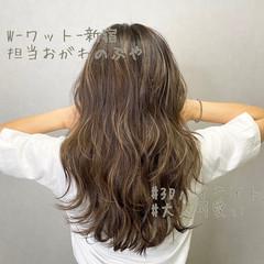 ナチュラル インナーカラー グレージュ ロング ヘアスタイルや髪型の写真・画像