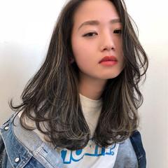 ストリート 外国人風カラー ホワイトアッシュ 外国人風 ヘアスタイルや髪型の写真・画像