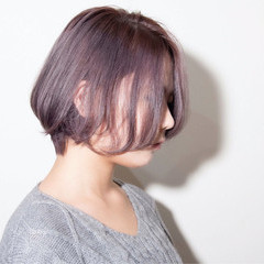 ミニボブ ショートヘア ナチュラル ラベンダーアッシュ ヘアスタイルや髪型の写真・画像