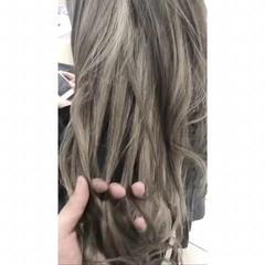 ロング アッシュグレー グレーアッシュ 外国人風 ヘアスタイルや髪型の写真・画像