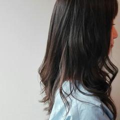 ブルーアッシュ ロング ナチュラル 暗髪 ヘアスタイルや髪型の写真・画像