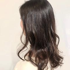 シルバーアッシュ ナチュラル アッシュ オリーブアッシュ ヘアスタイルや髪型の写真・画像
