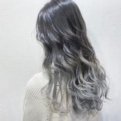 シルバーグレー シルバーグレージュ ホワイトシルバー エレガント ヘアスタイルや髪型の写真・画像
