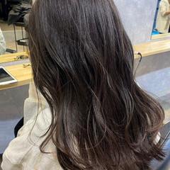 ラベンダーアッシュ 極細ハイライト セミロング ナチュラル ヘアスタイルや髪型の写真・画像