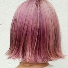 レッド ボブ 外国人風 ピンク ヘアスタイルや髪型の写真・画像