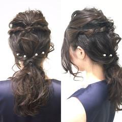 ツイスト セミロング フェミニン 暗髪 ヘアスタイルや髪型の写真・画像