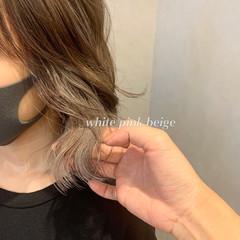 ミルクティーベージュ ボブ ナチュラル インナーカラー ヘアスタイルや髪型の写真・画像