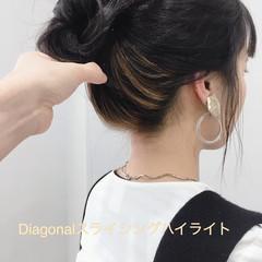 セミロング 韓国ヘア インナーカラー モード ヘアスタイルや髪型の写真・画像