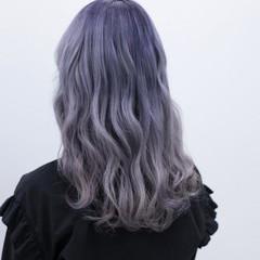 ハイトーン ラベンダーアッシュ セミロング ストリート ヘアスタイルや髪型の写真・画像