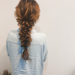 フェミニン ヘアセット ブライダル 編みおろしヘア ヘアスタイルや髪型の写真・画像