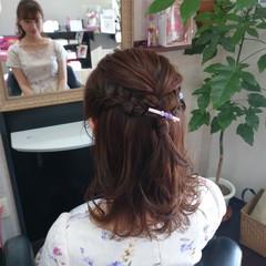簡単 ヘアアレンジ ミディアム ナチュラル ヘアスタイルや髪型の写真・画像
