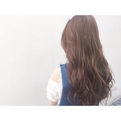 アッシュ ロング フェミニン 外国人風 ヘアスタイルや髪型の写真・画像