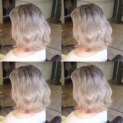 ロブ グレージュ インナーカラー ショート ヘアスタイルや髪型の写真・画像