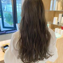オリーブベージュ アッシュグレージュ ブルージュ アッシュベージュ ヘアスタイルや髪型の写真・画像