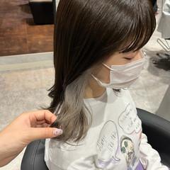 セミロング インナーカラーホワイト ホワイトカラー ガーリー ヘアスタイルや髪型の写真・画像