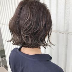 ナチュラル アッシュグレージュ ショートボブ ゆるふわ ヘアスタイルや髪型の写真・画像