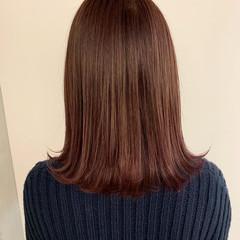 ミディアム ピンクパープル ナチュラル ラベンダーピンク ヘアスタイルや髪型の写真・画像