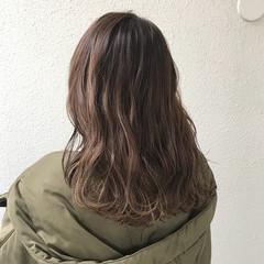 外国人風カラー ブリーチ ナチュラル セミロング ヘアスタイルや髪型の写真・画像