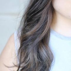 セミロング ナチュラル グレージュ インナーカラー ヘアスタイルや髪型の写真・画像