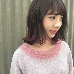 セミロング レッド ピンク ガーリー ヘアスタイルや髪型の写真・画像