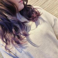 バイオレット インナーカラー ガーリー イルミナカラー ヘアスタイルや髪型の写真・画像