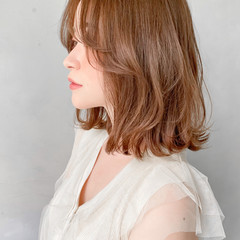 ベージュカラー 流し前髪 ナチュラル ボブ ヘアスタイルや髪型の写真・画像