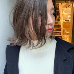 アンニュイほつれヘア ナチュラル 大人女子 インナーカラー ヘアスタイルや髪型の写真・画像