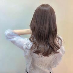 ミルクティーベージュ ブリーチなし ガーリー ミルクティーブラウン ヘアスタイルや髪型の写真・画像