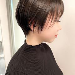 大人かわいい オフィス ショート ナチュラル ヘアスタイルや髪型の写真・画像