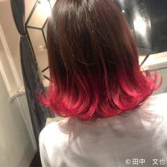 ボブ ストリート 外ハネ ピンク ヘアスタイルや髪型の写真・画像
