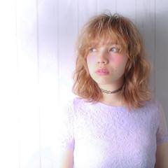 外国人風 パーマ シースルーバング アッシュ ヘアスタイルや髪型の写真・画像