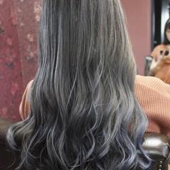 フェミニン 外国人風カラー グレージュ バレイヤージュ ヘアスタイルや髪型の写真・画像