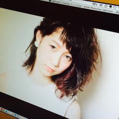 インナーカラー モード 黒髪 ミディアム ヘアスタイルや髪型の写真・画像